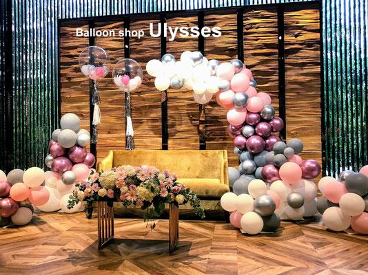 つくば市バルーンショップユリシス 守谷 メインテーブル バルーン装飾 バルーンアート ウェディング 披露宴 フリンジ タッセル 名前入り