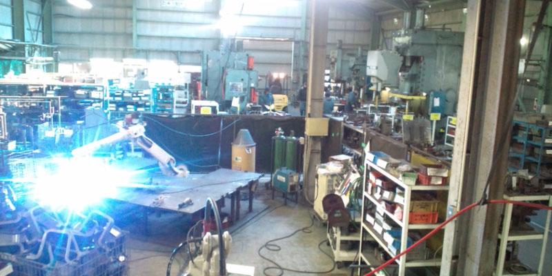 溶接ロボット作業場