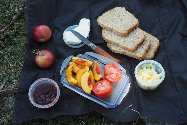 2tes Frühstück! - Radreise Alles in 12 Taschen