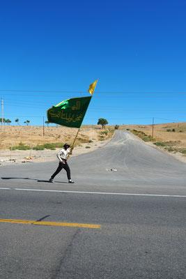 Pilgerer auf dem Weg nach Maschad