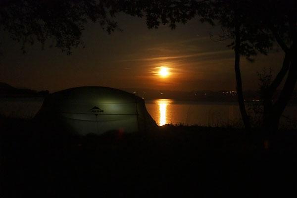 Unser Zelt im Mondschein