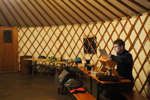 Jurte als Aufenthaltsraum des Campingplatzes
