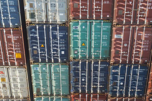 Container-Tapete  - Radreise - Alles in 12 Taschen