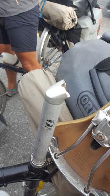 Am ende des Tages: gebrochene Satteltütze  - Radreise - Cycletouring - Thailand