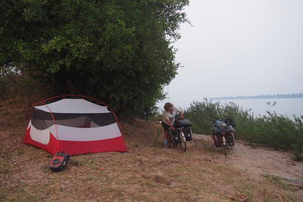 Unser letzter Zeltversuch in Laos