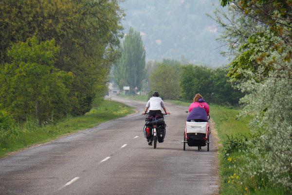 Simone und Lena on the road