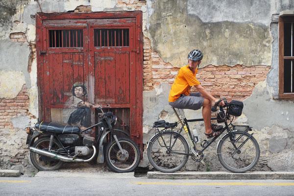 Wer macht hier wen nach?  - Radreise - Cycletouring - Thailand