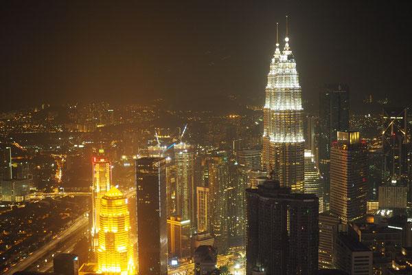 Kuala Lumpur bei Nacht - Radreise/Cycletouring - Alles in 12 Taschen