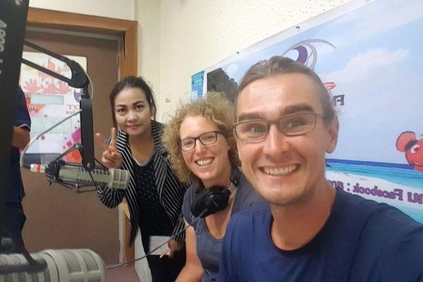 Wir beim Interview im Radio