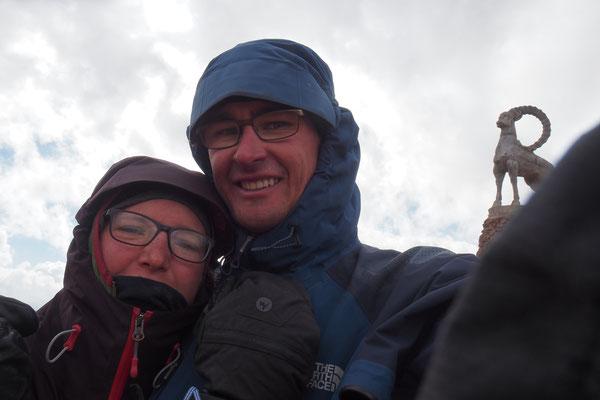 Oben auf dem letzten Tadschikischen Pass ist es kalt und windig