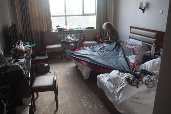 Die Außenwände für das Zelt