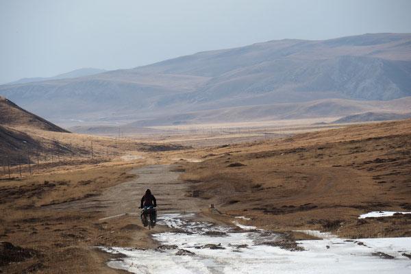 Schneefelder kreuzen unsere Wege