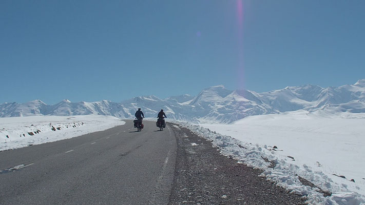 right before the border to China on Irkeshtam Pass