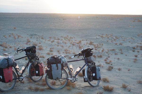 Emma und Emil in der Staubwüste