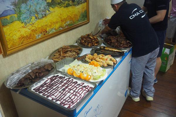 Zum Fleisch gibt's Kuchen - Radreise / Cycletouring - Alles in 12 Taschen