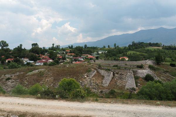 Ein kleines, verschlafenes Dorf im Irgendwo - Radreise Alles in 12 Taschen