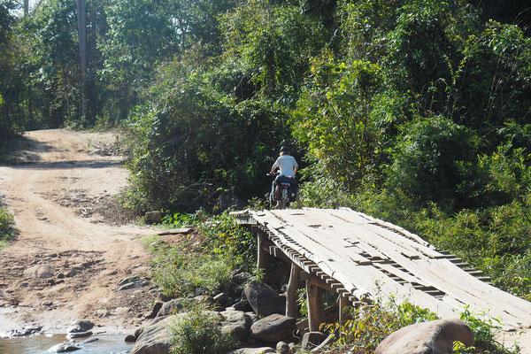 Zur Regenzeit machen bestimmte Brücken vermutlich mehr Sinn