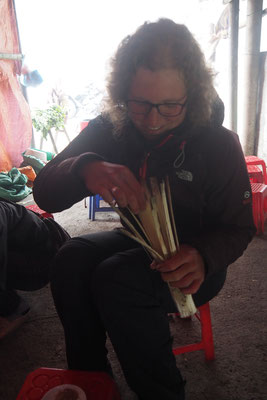 Com lam, klebriger Reis im Bambusrohr