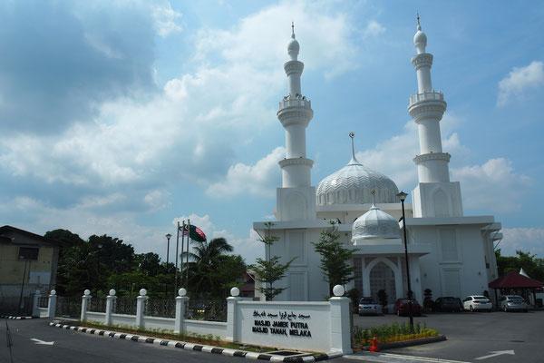 Malaysia ist muslimisch geprägt. Moscheen sind überall - Radreise/Cycletouring - Alles in 12 Taschen