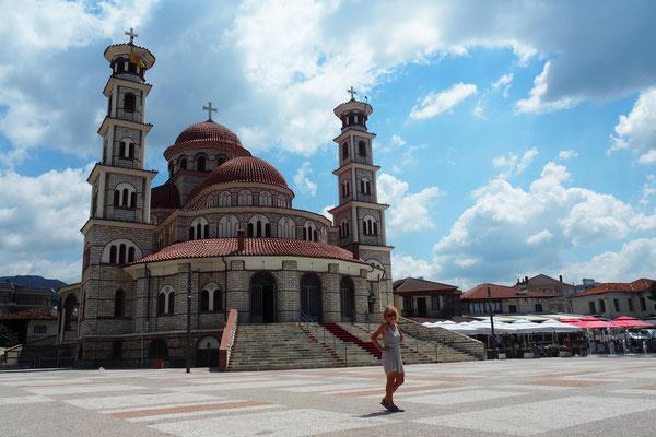 Katedralja ortodokse në Korçë - Radreise Alles in 12 Taschen