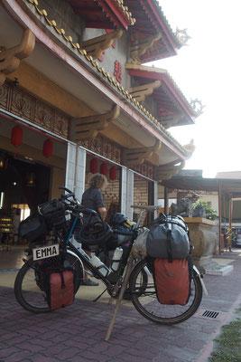 Tempelstop  - Radreise - Cycletouring - Thailand