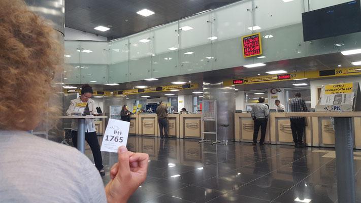 Warten in der Post von Ankara