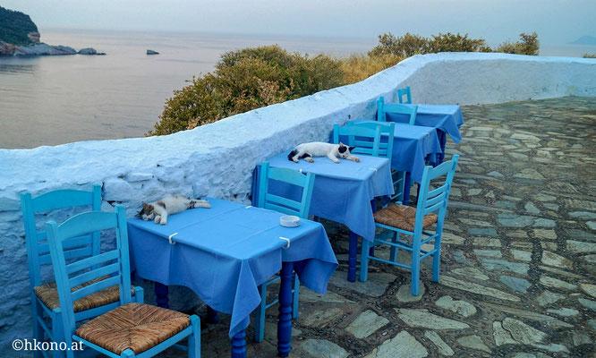 """Die Taverne """"Anatoli"""" liegt am höchsten Punkt der Hauptstadt, und ist zu Fuß vom Hafen aus erreichbar."""