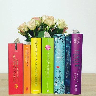 Bücher Regenbogen