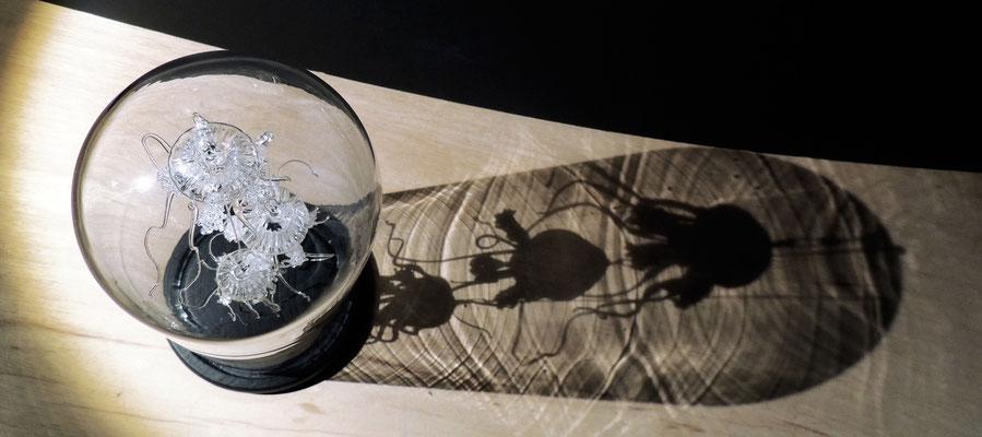 Méduses en verre soufflé,  réalisées au chalumeau.