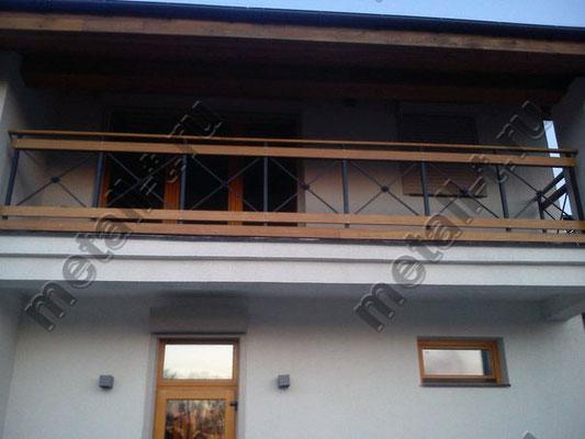 Комбинированное ограждение балкона