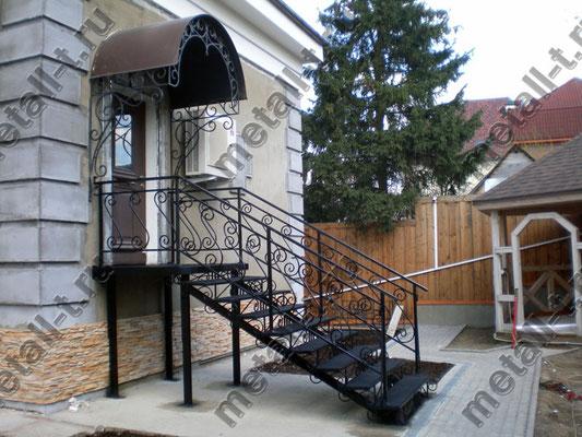 Металлическая фасадная лестница