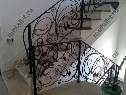 Кованые ограждения лестницы