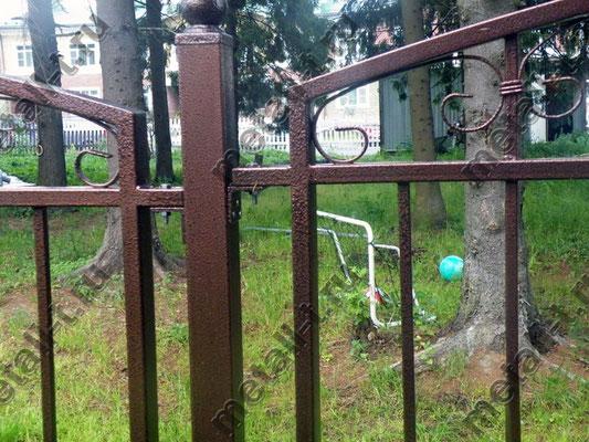 Заборные секции на болтах