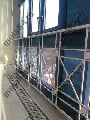 Балконное ограждение с декоративными накладками