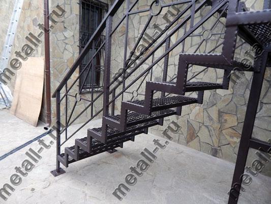 Лестница металлическая со ступенями ПВЛ