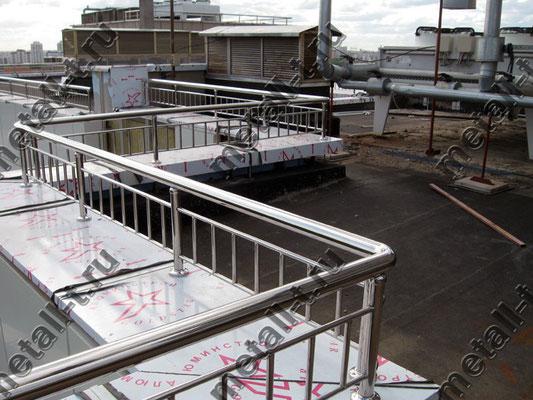 Нержавеющие ограждения парапета крыши