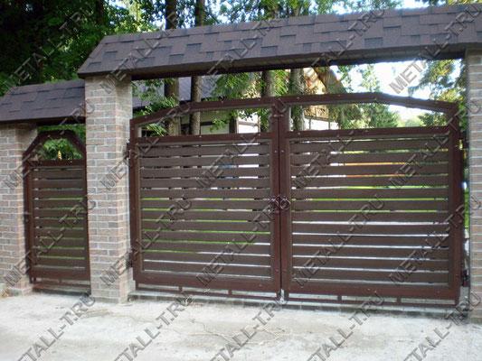 Ворота. Металлокаркас и дерево