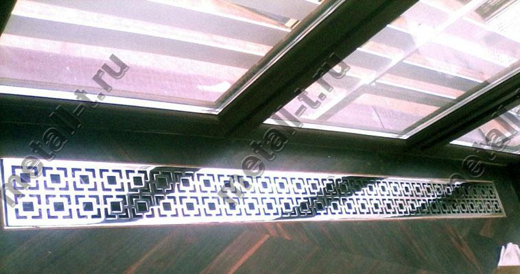 Решетка из нержавеющей стали на радиатор
