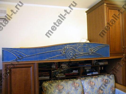 Декоративная кованая накладка на кровать