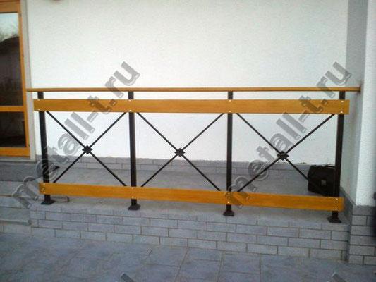 Комбинированное ограждение террасы