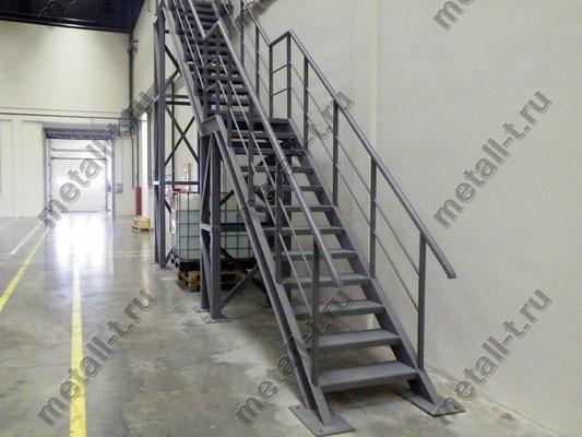 Техническая лестница из металла