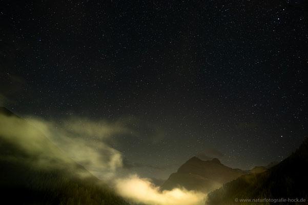 Wolkenspiel in der Nacht, Saas Grund