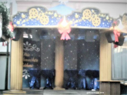 Kleines Theater im Weihnachtsmarkt