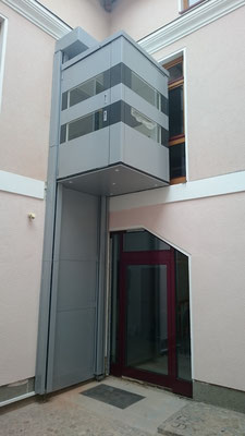 Homelift Kabinenlift QuattroPorte obere Haltestelle Ecke