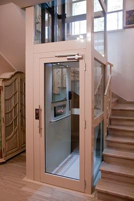 Im Treppenauge eines Treppenhauses