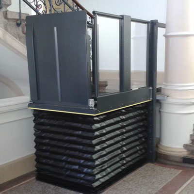Liftboy Technik durch Faltenbalg geschützt