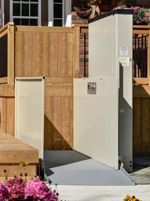 Obere Tür kann durch eigene Tür ersetzt werden