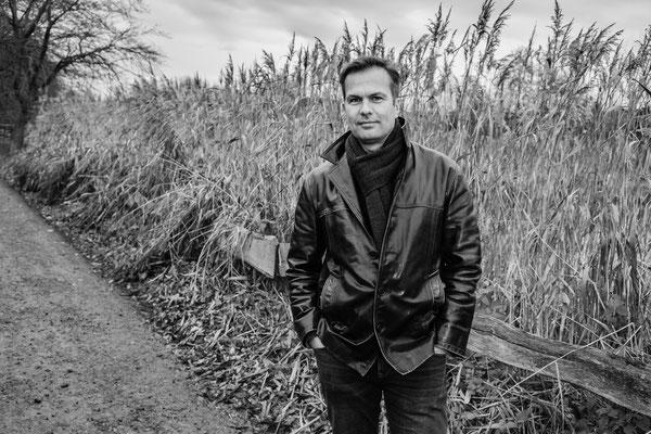 Portrait Mark Kessler Fotografie in OWL und Niedersachsen schwarz weis