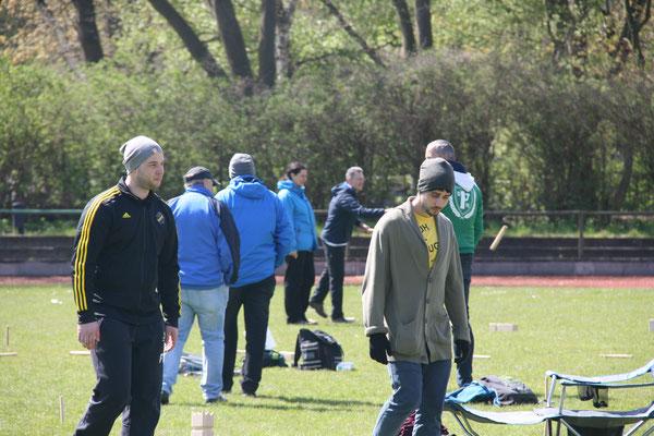 Verfeindete Stockholmer Fußballfans uniten sich dank Kubb