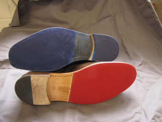 Rote und blaue Sohlen und Absätze von Vibram.